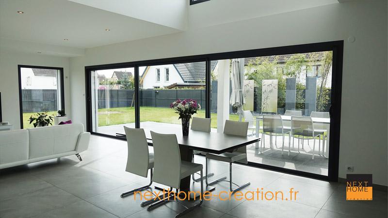 Maison contemporaine toit plat et garage accol for Maison et creation