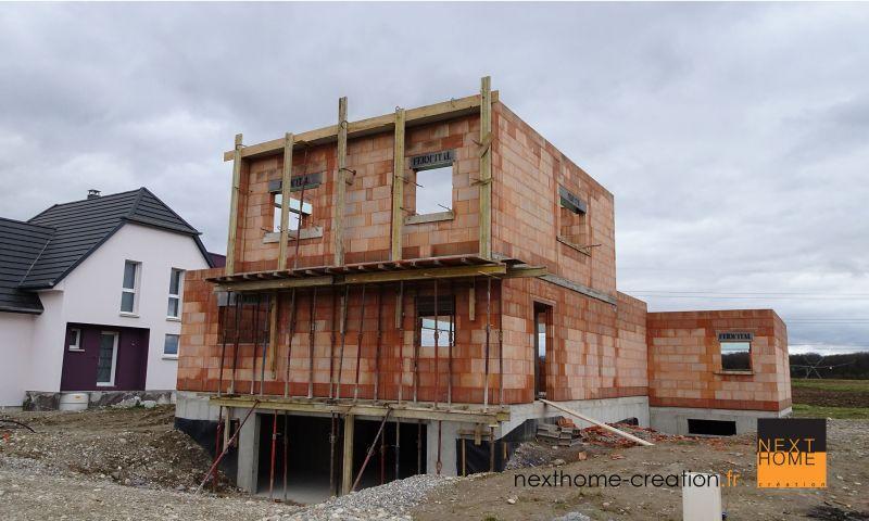 Maison d 39 architecte toit plat et garage sous sol nexthome for Chambre au sous sol