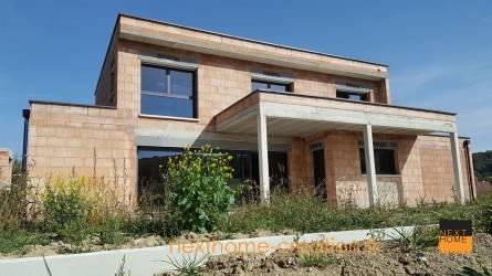 maison toit plat avec terrasse couverte nexthome cr ation. Black Bedroom Furniture Sets. Home Design Ideas