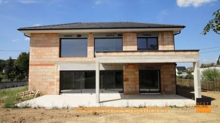 Maison toiture 4 pans contemporaine - Nexthome Création