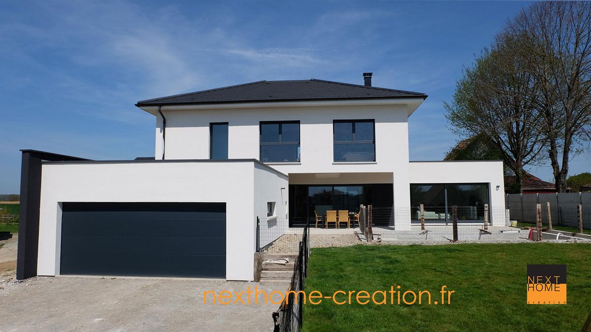 Maison avec garage toit plat hx18 humatraffin for Maison cubique toit 4 pans