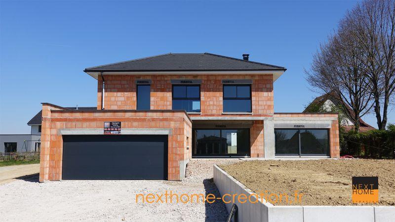 Magnifique maison 4 pans et garage accol toit plat nexthome cr ation for Maison moderne toit 2 pans