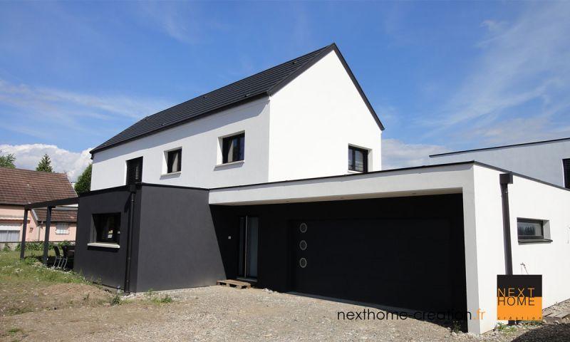 Maison contemporaine 2 pans et toit plat nexthome cr ation for Maison moderne toit 2 pans