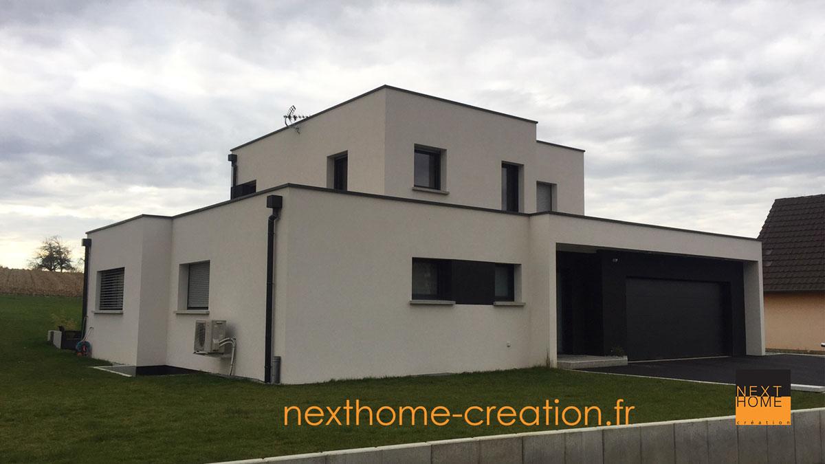 Maison moderne toit plat et garage accol nexthome for Garage toyota haut rhin